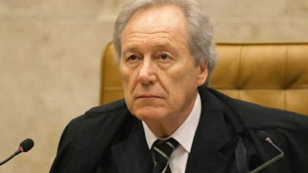 Lewandowski rejeita ação contra indicação de Eduardo para embaixada
