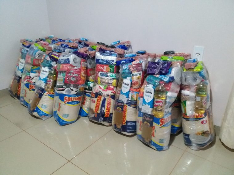 AÇÃO SOCIAL – Anderson Pereira entrega cestas básicas para famílias afetadas por operação do Ibama