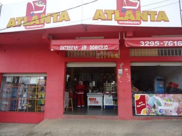 Bandidos invadem supermercado e roubam malote com dinheiro
