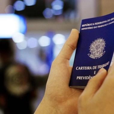 Congresso aprova lei que prevê salário mínimo de R$ 1.040