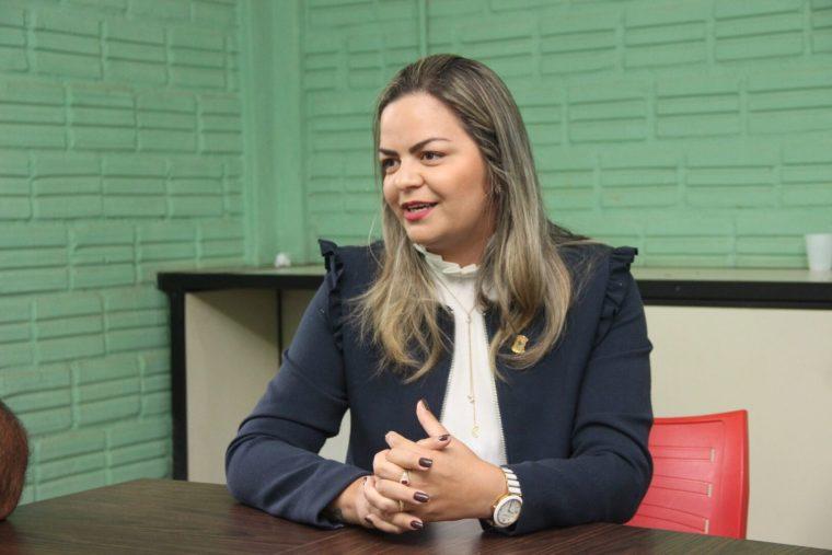 Vereadora Ada Dantas se reúne com diretor da Semusb e busca regularização de vendedores