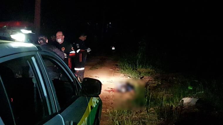 OITO FACADAS – Após ser visto entrando em mato com amigo, jovem é encontrado morto
