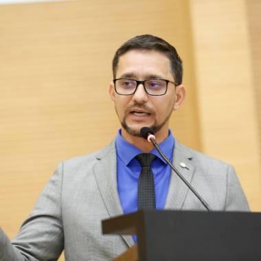 Deputado Anderson indica curso de Espanhol para Escola do Legislativo de Ouro Preto