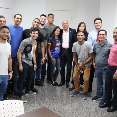 Ismael Crispin libera emenda de R$ 40 mil para atletas de basquete representarem Rondônia no JUBs