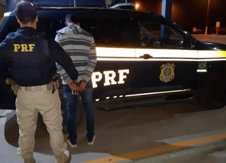 Jovem de 24 anos é preso com quase 7 kg de maconha