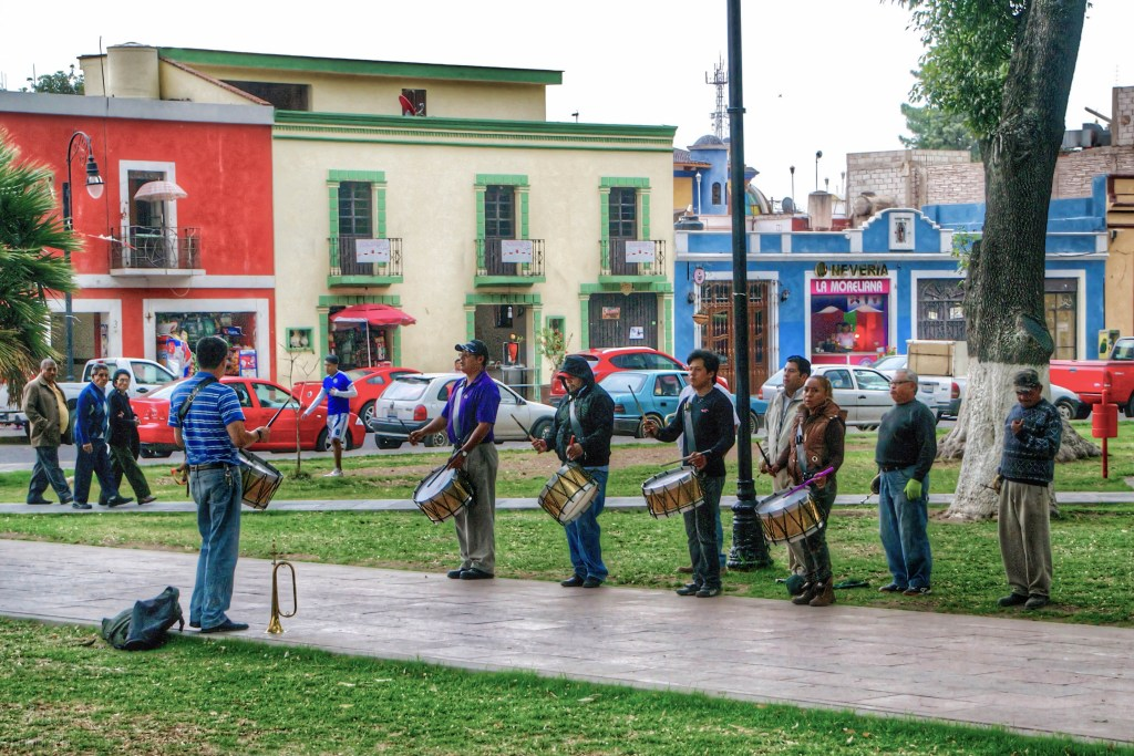 Street Performers | Cholula, Mexico | Image By Indiana Architectural Photographer Jason Humbracht