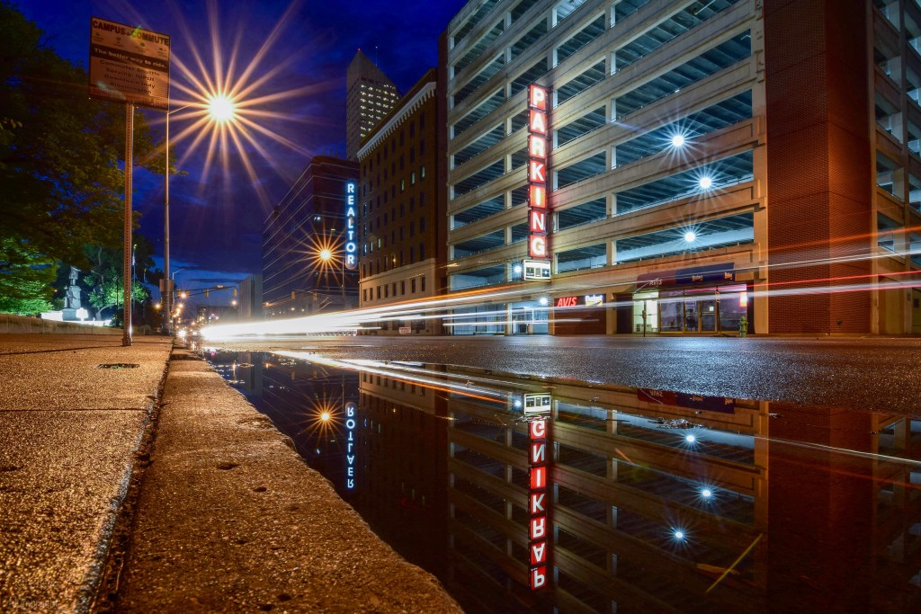 wide angle photography tips | Indy at night | Indy architecture | Indianapolis architecture | Indianapolis at night | night photography | nightscapes | Indiana nightscape | Indianapolis nightscape | long exposure | image by Indianapolis architectural photographer Jason Humbracht