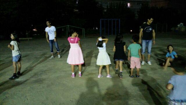 校庭練習夜