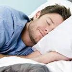 寝ないとハゲる!?睡眠と育毛の深い関係とは