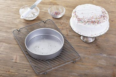 Metallic Traditional Round Cake Pan 9 inch , round shape with hole in middle