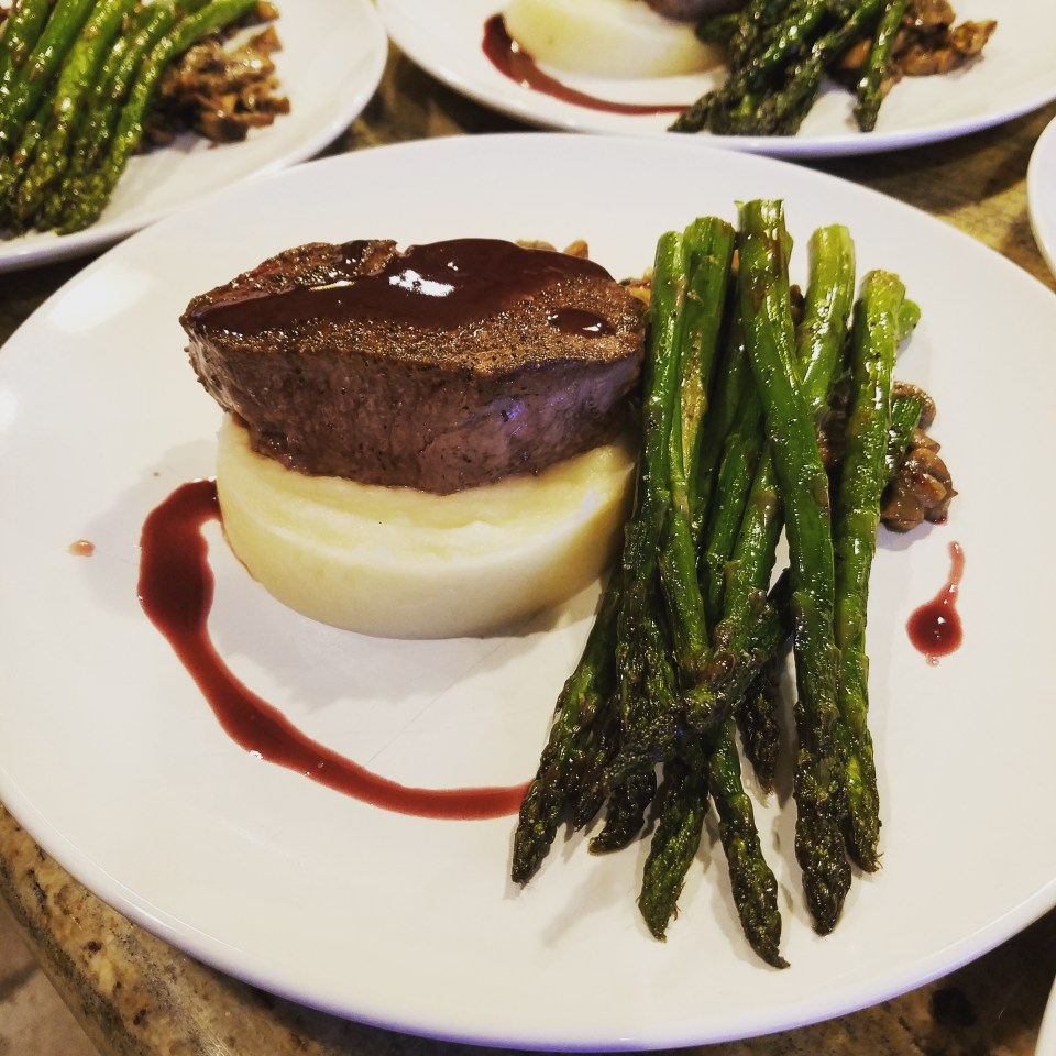 Prime Beef Filet Mashed Potatoes, Asparagus, Beurre rouge