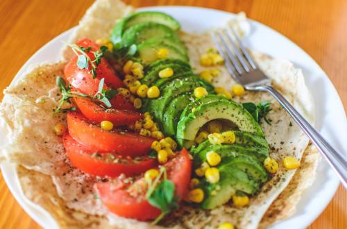 avocado-basil-close-up