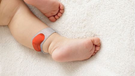 The Sprouting ankle band promises to monitor your baby's sleep and heart rate and to warn parents when baby is about to wake up.
