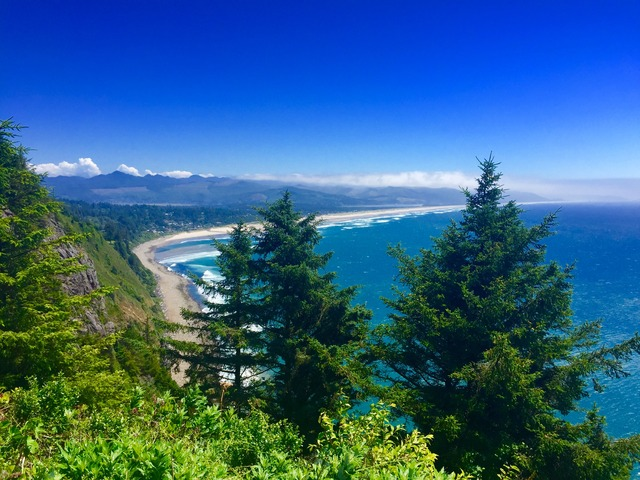 oregon: exploring the northern coast.