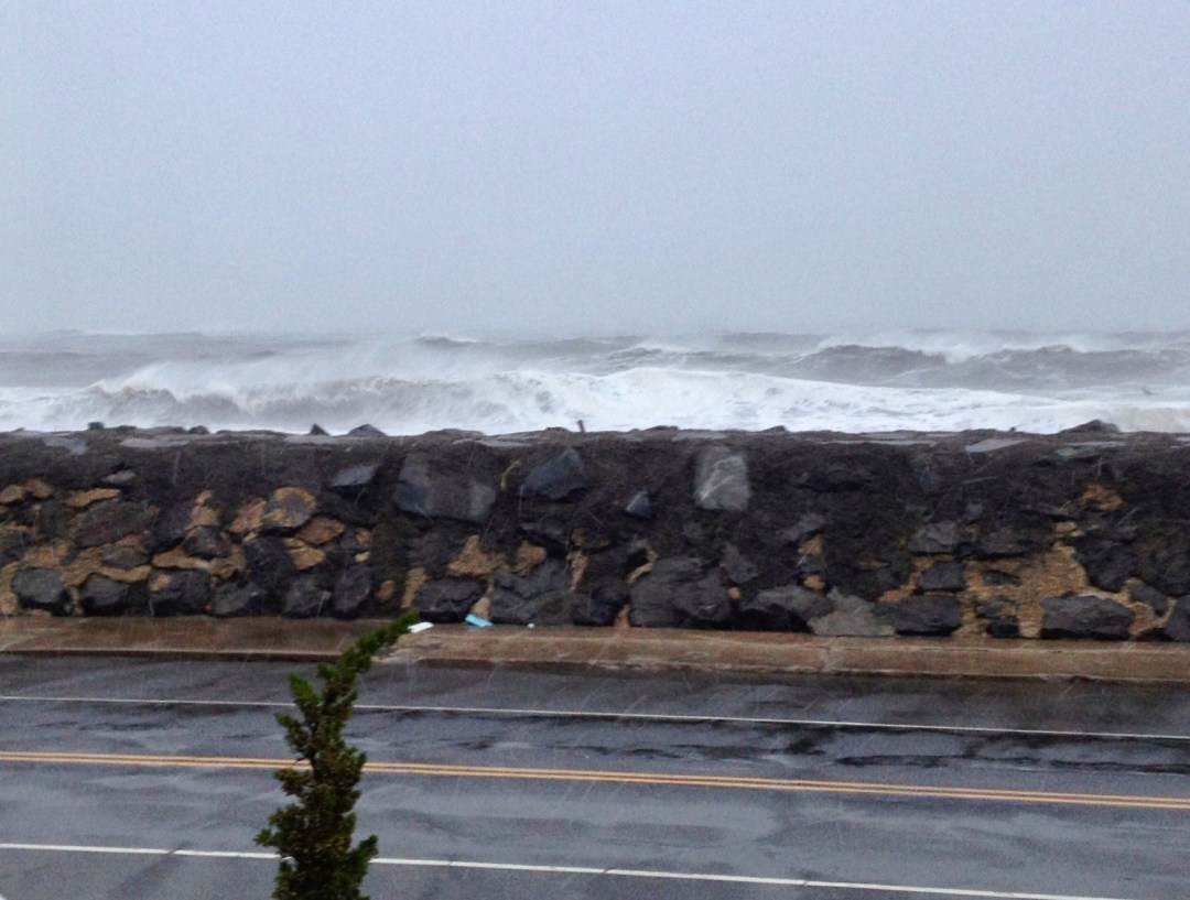 hurricane sandy waves
