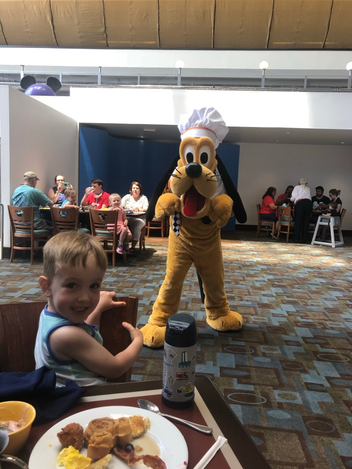 Chef Mickey's Modified Character Dining Review