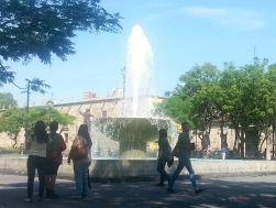 Another Plaza fountain shot.
