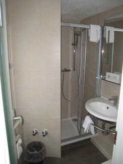 012b My Modern Bathroom