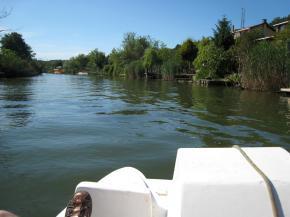 0997 Paddleboating