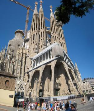 1718 La Sagrada Familia Front