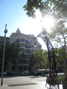 1761 Gaudi Building