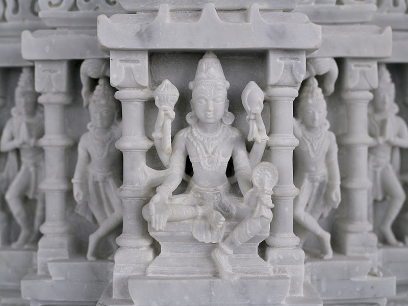 Human figures at the BAPS Shri Swaminarayan Mandir are so carefully carved you can even see the outlines of their toenails.