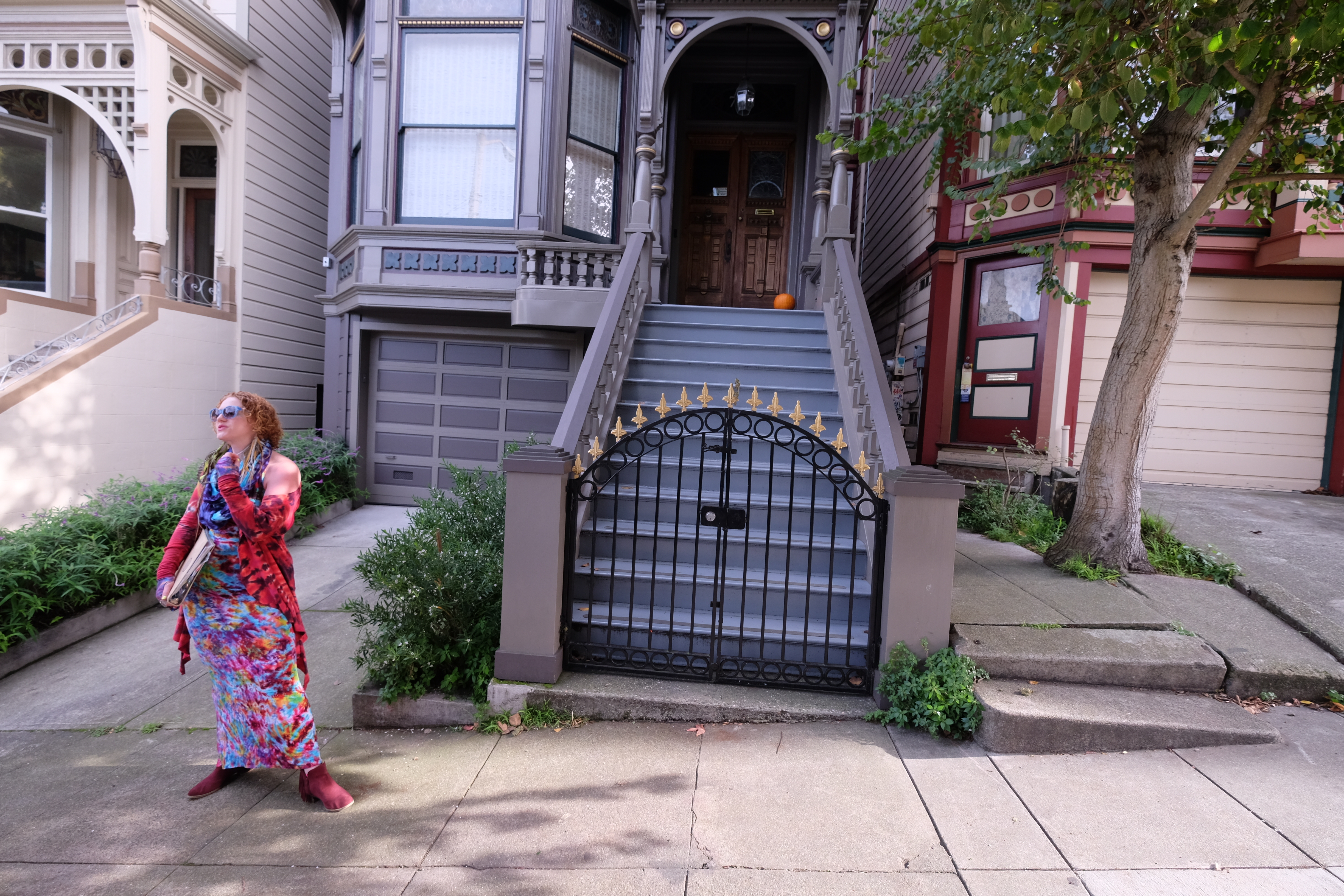 Sunny Powers does awesome tours of Haight-Ashbury in San Francisco. Love the retro outfit! - JIM BYERS PHOTO