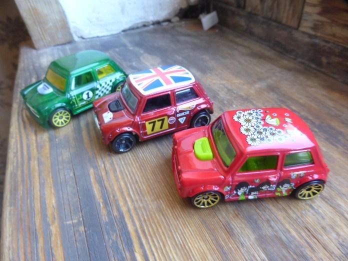 3 Morris Minis