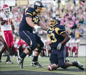 UT-s-linemen-making-strides-Offensive-unit-key-in-victory