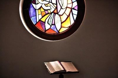 church-window-2076004_640