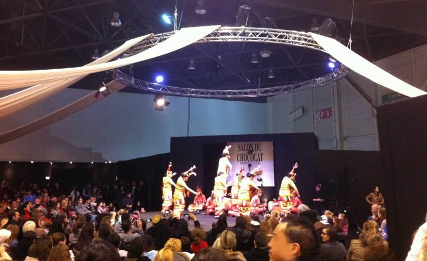 Salon Chocolat Marseille 2013 : danseuses indonésiennes