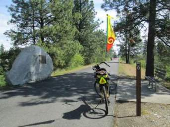 Jim-Schmid's-Bacchetta-Giro-recumbent-at-WA-ID-stateline-Centennial-Trail-ID-4-28-2016