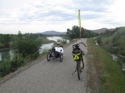 Jim-Schmid's-Bacchetta-Giro-recumbent-and-trike-on-Boise-River-Greenbelt-ID-5-7-2016