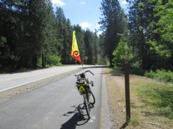 Jim-Schmid's-Bacchetta-Giro-recumbent-at-Milepost-21-on-Centennial-Trail-Coeur-d'alene-ID-5-11-2016