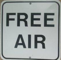 Free-air-sign-Pere-Marquette-MI-2015-09-06