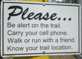Be_alert_on_the_trail_sign_American_Tobacco_RT_2015_07_05-6