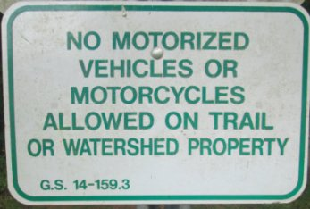 No_motorized_vehicles_or_motorcycles_allowed_on_trail_sign_Greensboro_NC_RT_System_2015_07_06