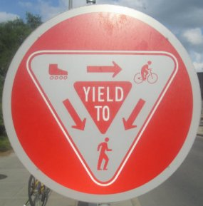 Multi-use-yield-to-symbol-sign-Monon-Trail-IL-2015-08-23