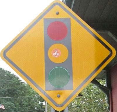 Signal-sign-East-Bay-Bike-Path-RI-9-6&7-2016