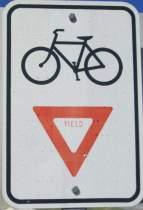 Yield-sign-Centennial-Trail-Coeur-d'Alene-ID-4-28-2016