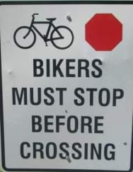 Stop-before-crossing-sign-Island-Line-Rail-Trail-Burlington-VT-9-1-2016