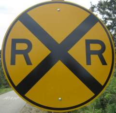 RR-crossing-sign-Trail-of-the-Coeur-d'Alenes-ID-5-12-2016