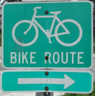 Bike-route-sign-Great-Miami-River-Trail-Dayton-OH-5-3-17
