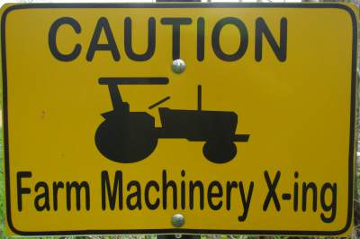Farm-machinery-sign-Elroy-Sparta-Trail-WI-5-8&9-17