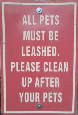 Pets-must-be-leashed-sign-Wabash-Trail-IA-5-18-17