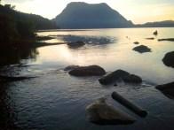 aliran air danau menjadi air terjun