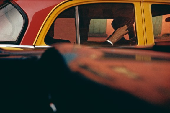 Taxi, c. 1957 © Saul Leiter / Courtesy Howard Greenberg Gallery, New York.