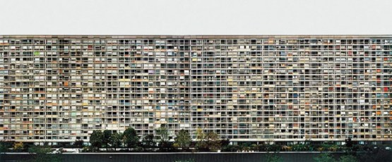 "Andreas Gursky. Paris, Montparnasse. 1993. Chromogenic color print. 6' 8 3/4""x 13' 1 1/4"" (205 x 421 cm). Courtesy Matthew Marks Gallery, New York and Monika Sprüth Galerie, Cologne © 2001 Andreas Gursky."