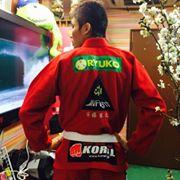 20150402SamukawaNaoki-redgi-back