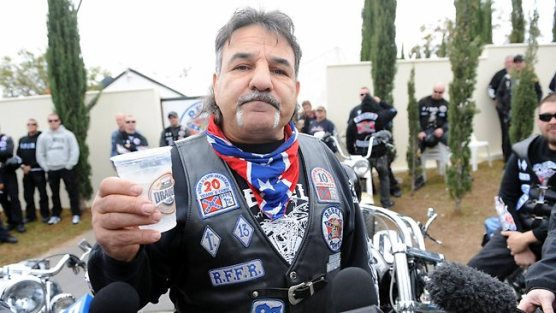 นาย Alex Vella ประธานแก๊งไบกี้ Rebels ถูกยกเลิกพี.อาร์.ขณะอยู่ต่างประเทศ
